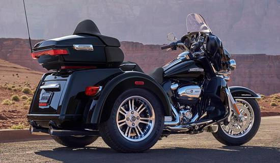 Discover the Ardèche in Harley Davidson Tri Glide Ultra picture