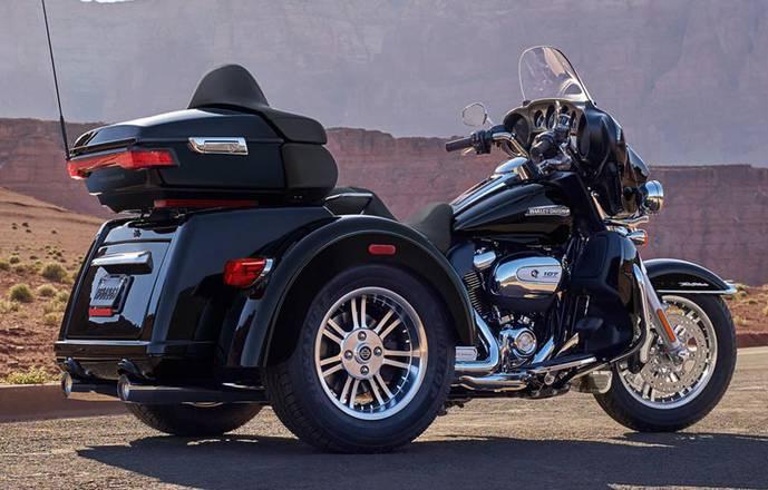 Discover the Ardèche in Harley Davidson Tri Glide Ultra