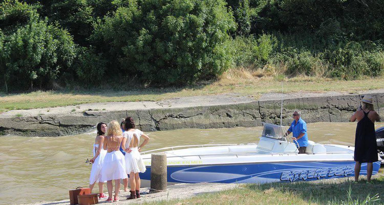 Activity: promenade en bateau off shore sur l estuaire et océan médoc in saint-yzans-de-médoc (127106)