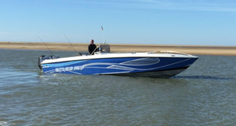 Activity: promenade en bateau off shore sur l estuaire et océan médoc in saint-yzans-de-médoc (127104)