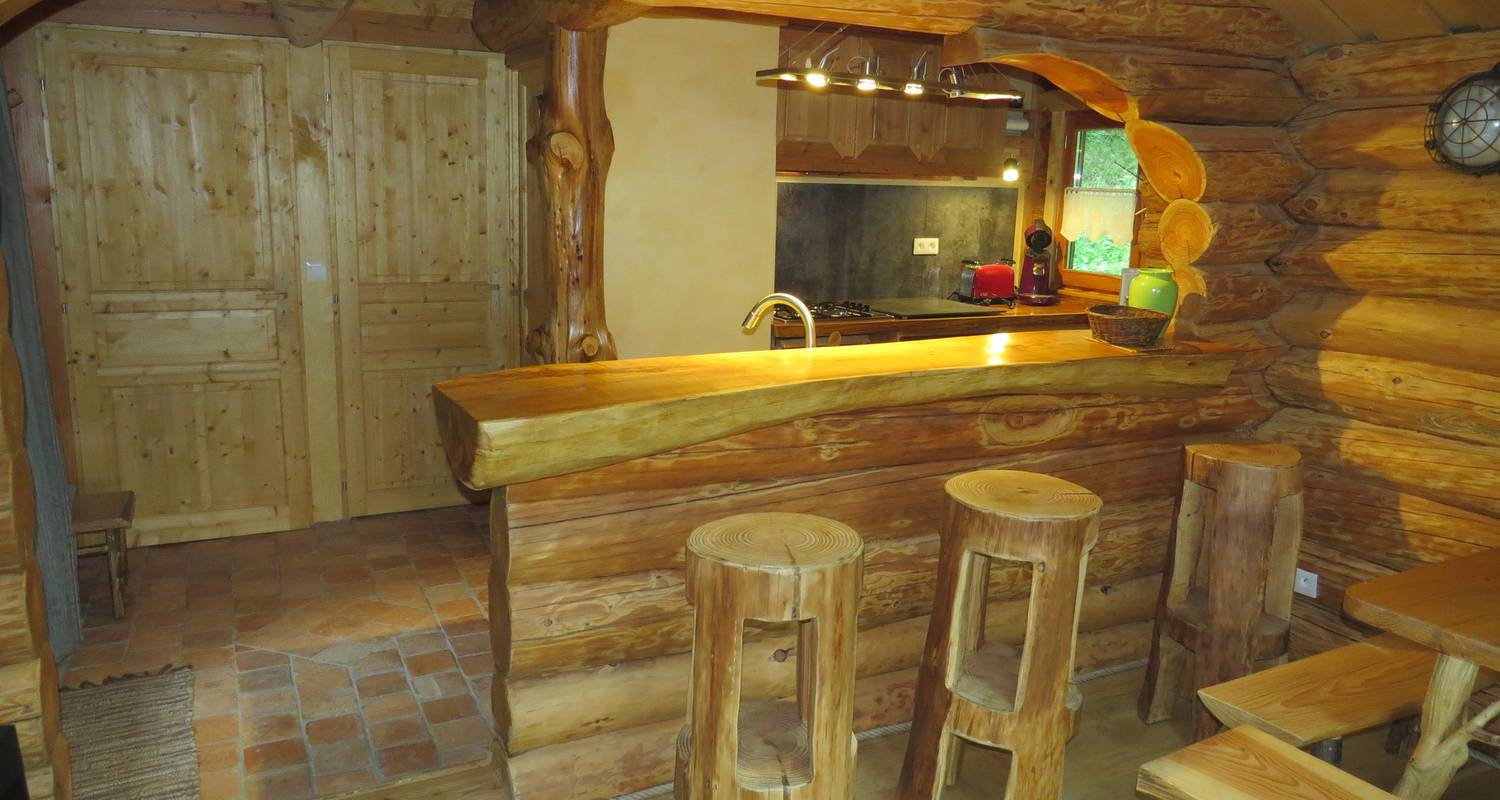 Furnished accommodation: la cabane de hans in saint-martial-de-gimel (127114)