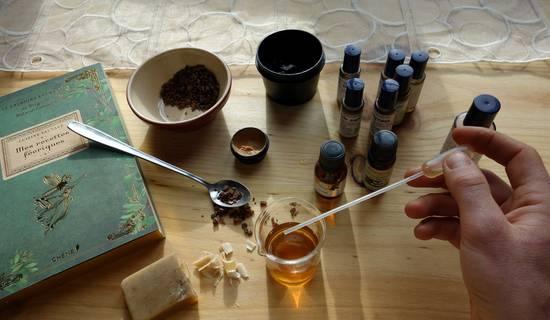 Atelier de fabrication d'un baume personalisé aux huiles essentielles picture