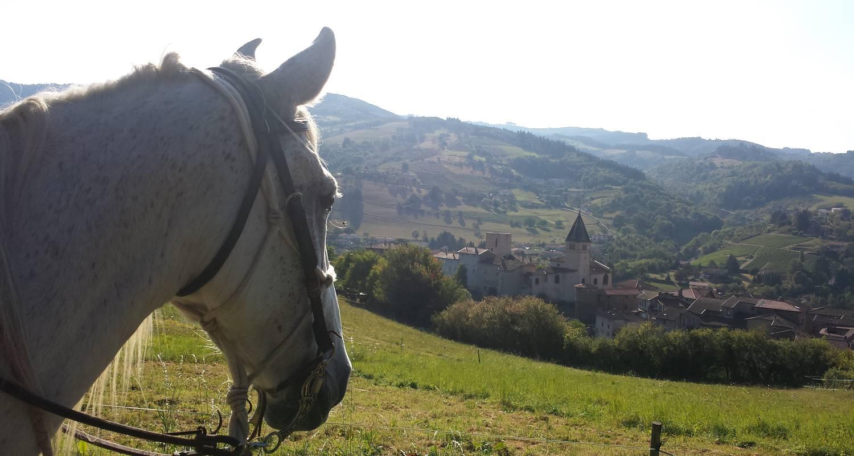 Activity: cheval d'azergues  balades et randonnées à cheval in chamelet (127423)