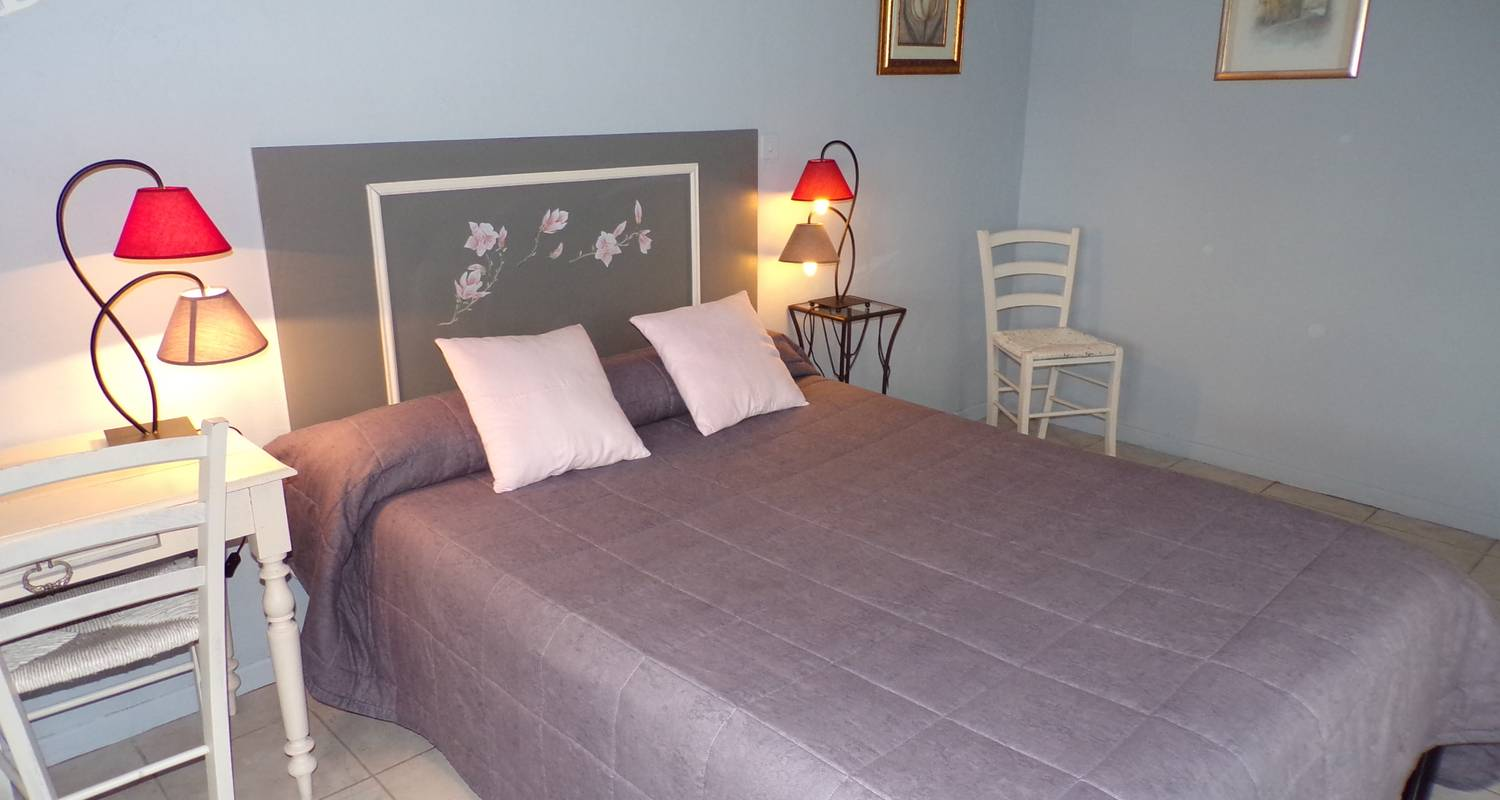 Bed & breakfast: chambres peyroutas in vignonet (127586)