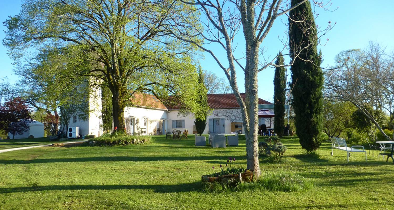 Chambre d'hôtes: le masrougier à simeyrols (127618)