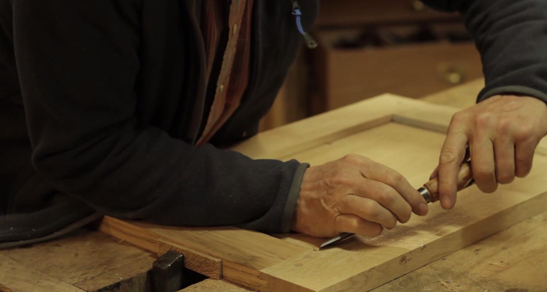 Activité: stage menuiserie : fabrication d'une petite table en chêne à la main en saint-léger-des-prés (128024)