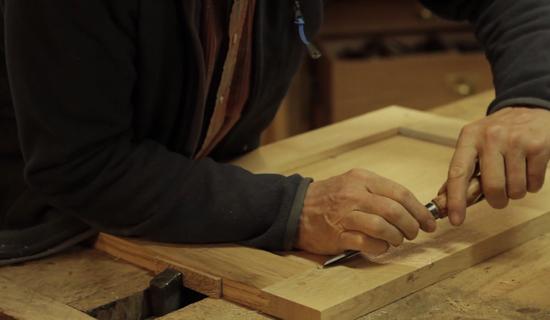 Stage menuiserie : Fabrication d'une petite table en chêne à la main picture