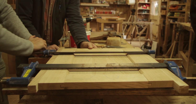 Activité: stage menuiserie : fabrication d'une petite table en chêne à la main en saint-léger-des-prés (128026)