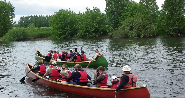 Activity: canoe rabaska in port-sainte-foy-et-ponchapt (128164)