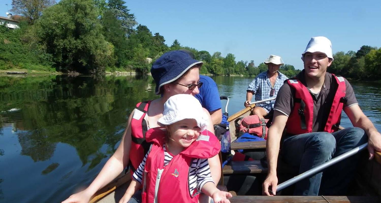 Activity: canoe rabaska in port-sainte-foy-et-ponchapt (128163)