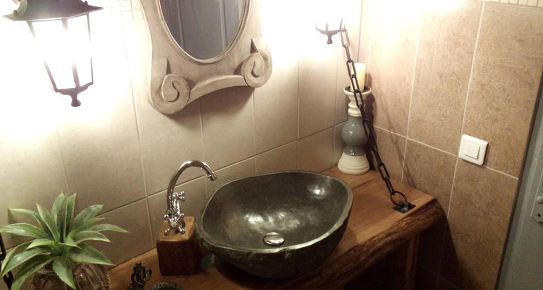 Gîte: gîte la maison hobbit à lavaurette (130424)