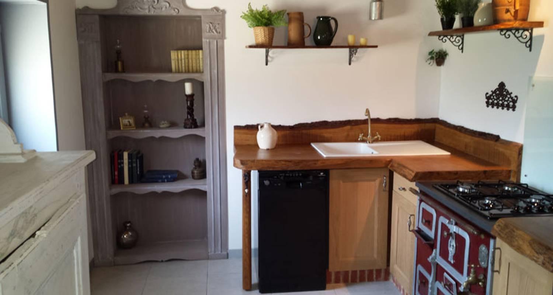 Gîte: gîte la maison hobbit à lavaurette (128292)