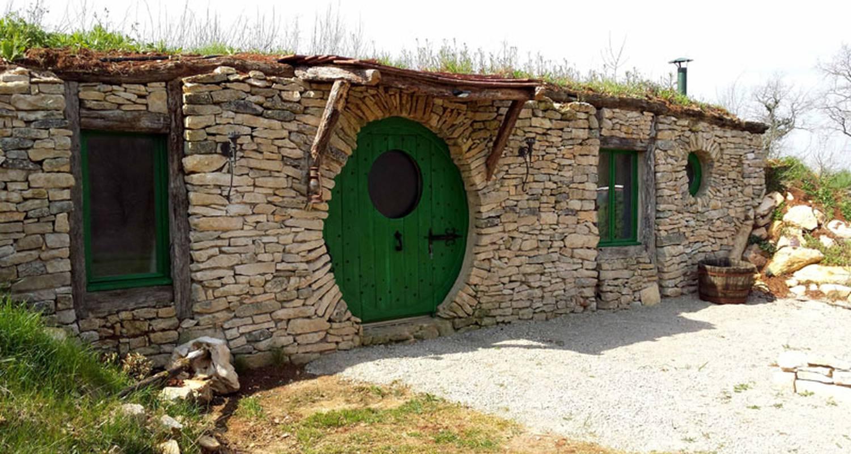 Gîte: gîte la maison hobbit à lavaurette (128290)