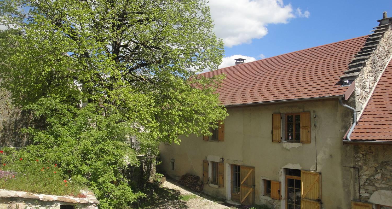 Gîte: eco gîte du saint baudille à saint-bois (128294)
