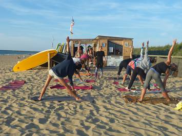 Stage Surf & Yoga