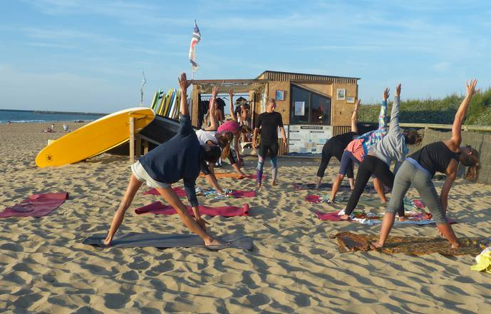 Stage Surf & Yoga