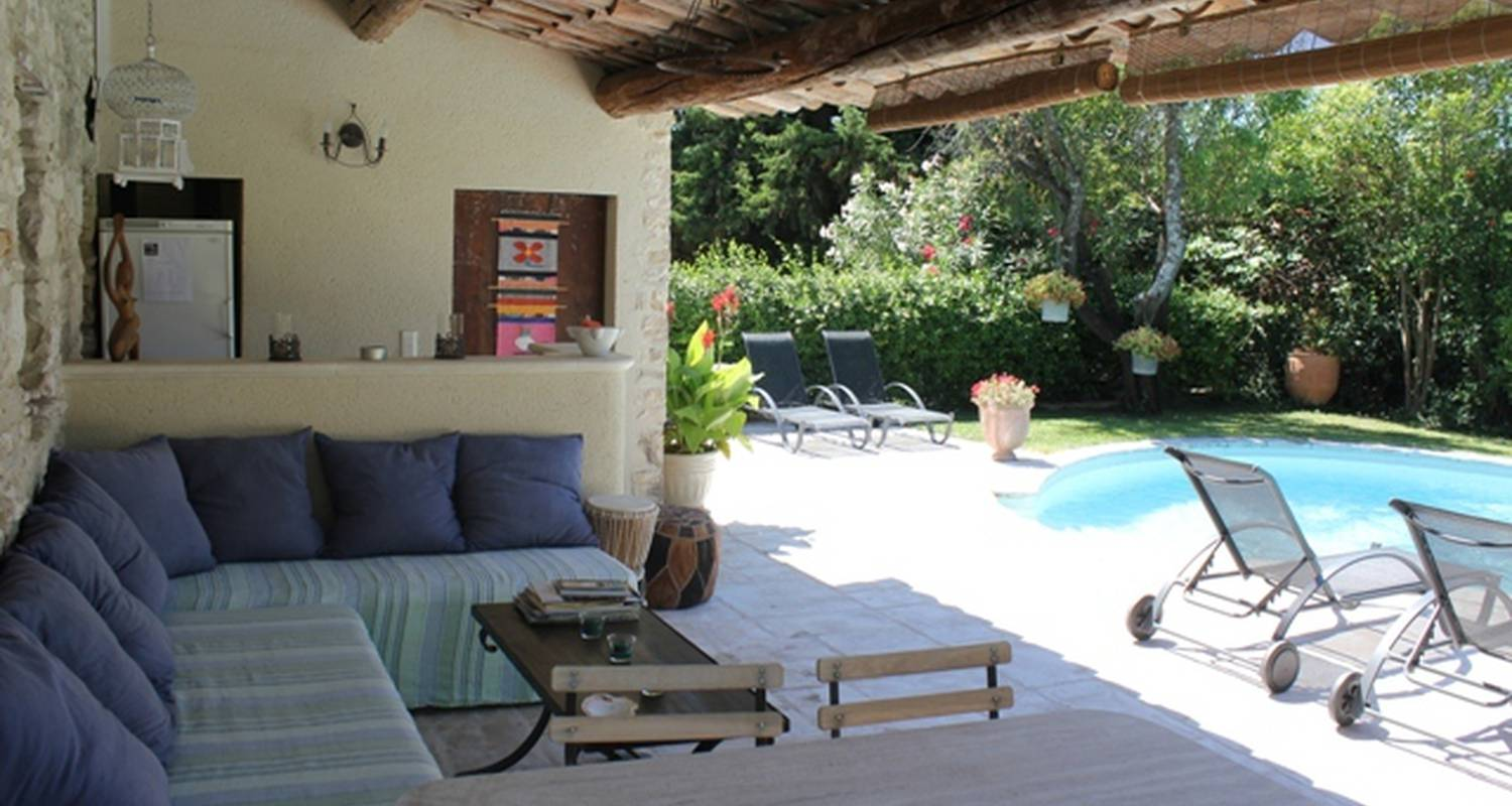 Bed & breakfast: une treille en provence in saint-didier (128626)