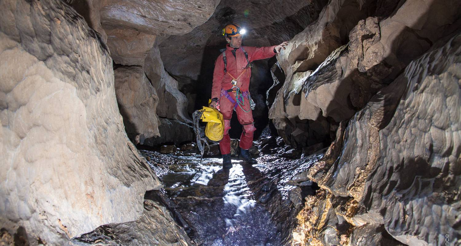 Activity: caving - initiation in vicdessos (128779)