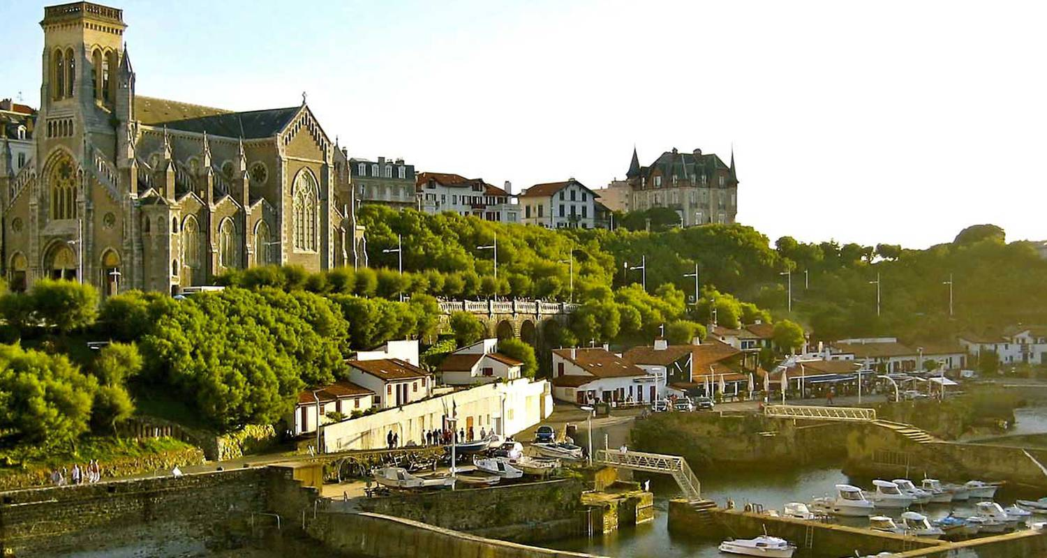 Activity: biarritz walking historical tour in biarritz (128840)