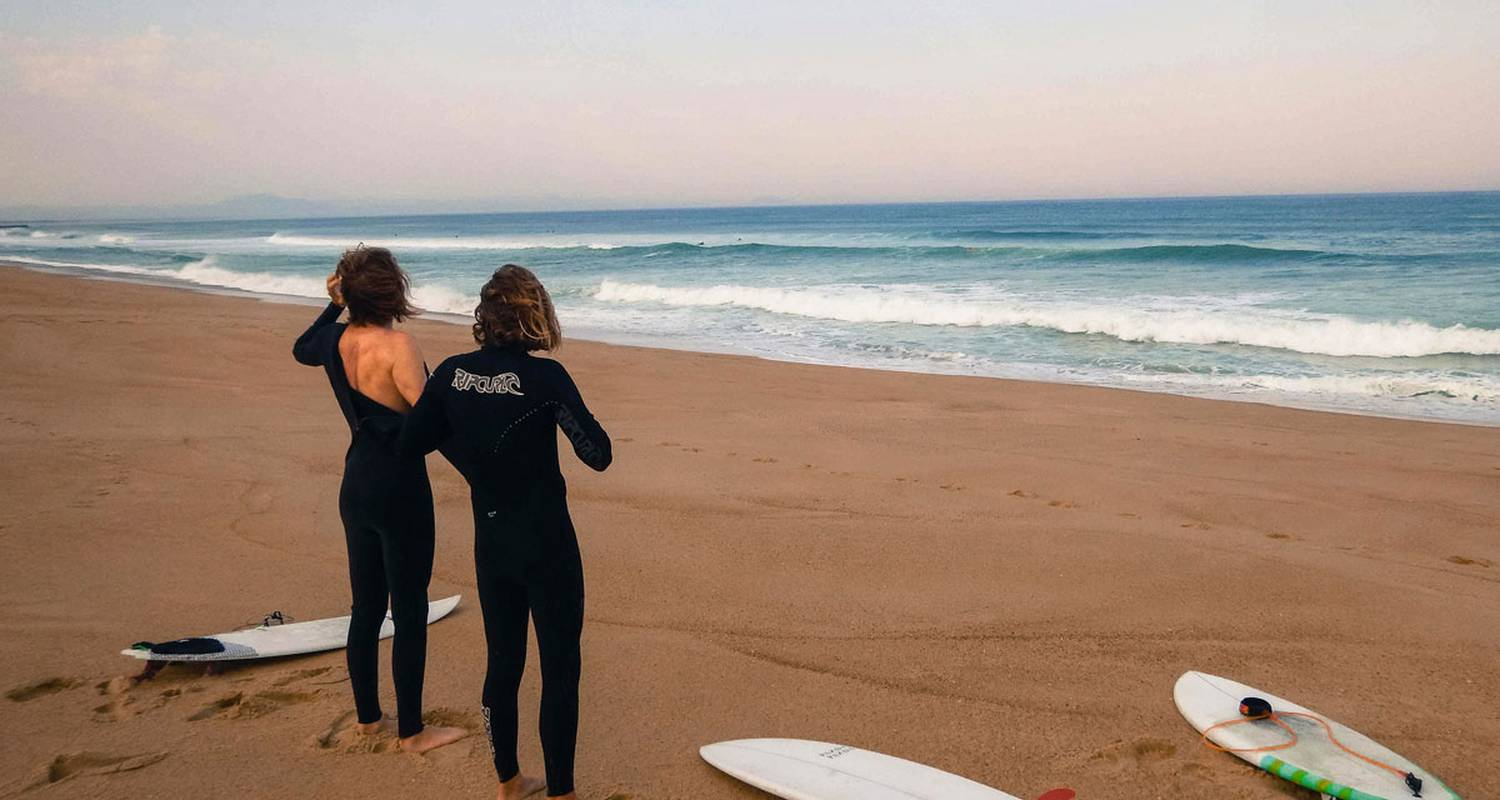 Activity: surf guide in biarritz (128845)