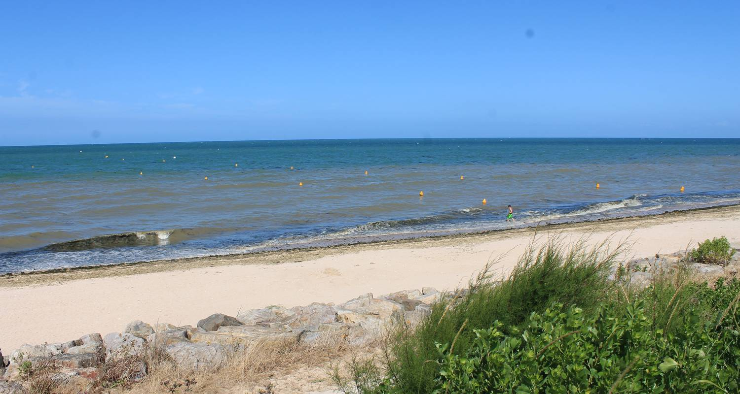 Hotel residence: sunny cosy duplex flat direct juno beach access in bernières-sur-mer (129126)