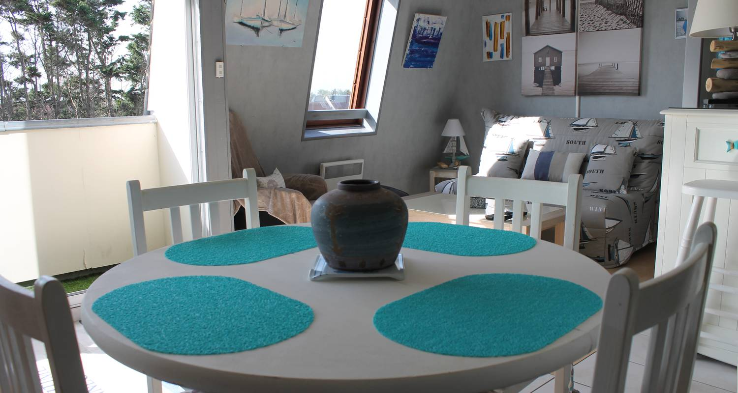 Hotel residence: sunny cosy duplex flat direct juno beach access in bernières-sur-mer (129128)