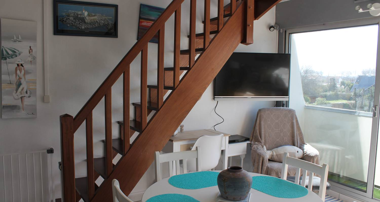 Hotel residence: sunny cosy duplex flat direct juno beach access in bernières-sur-mer (129127)