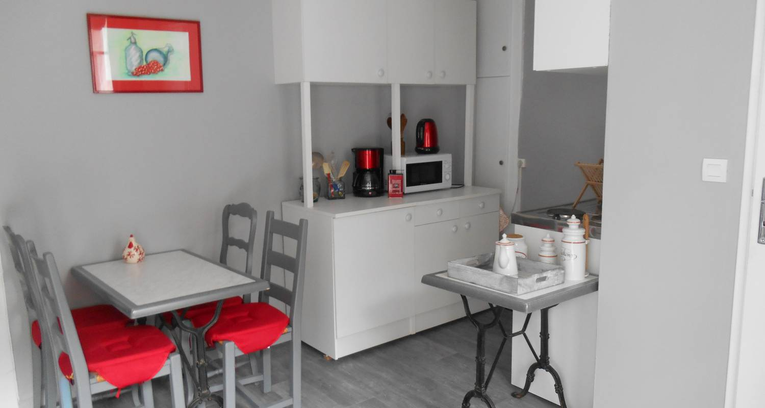 Furnished accommodation: f2 calme en plein centre ville in tulle (129657)