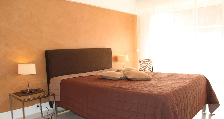 serenity apartment juan les pins 30168. Black Bedroom Furniture Sets. Home Design Ideas