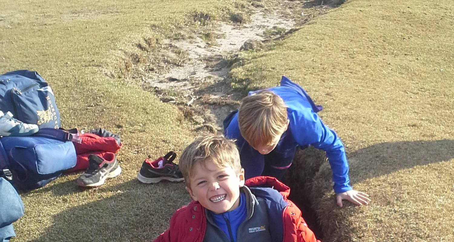 Activity: family hiking week end in may: treasure hunts, caves and shepherds'huts in quenza (129910)