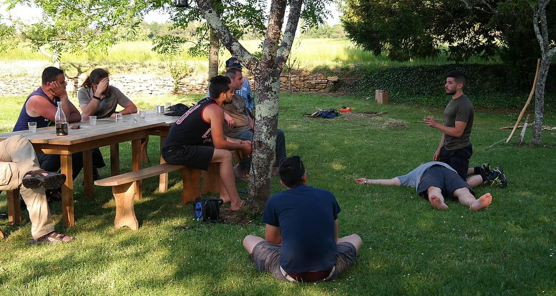 """Activity: """"master class"""" techniques de secours et de survie """"survival academy"""" in sarlat-la-canéda (130023)"""