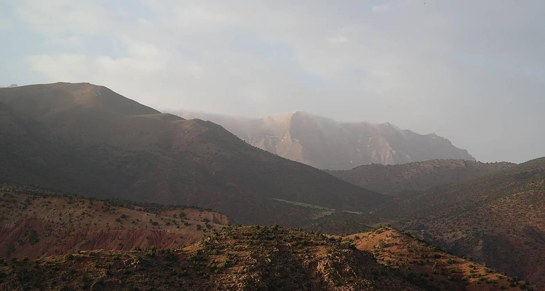 """Activity: trek découverte initiation à la survie au maroc """"nomade&cave"""" in ouirgane (130033)"""