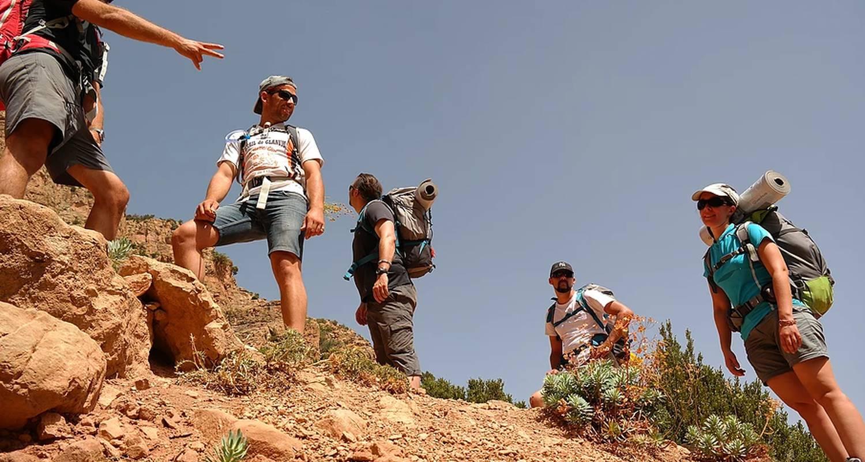 """Activity: trek découverte initiation à la survie au maroc """"nomade&cave"""" in ouirgane (130034)"""