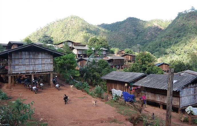 """Trek découverte initiation à la survie en Thaïlande """" Jungle Lahu"""""""