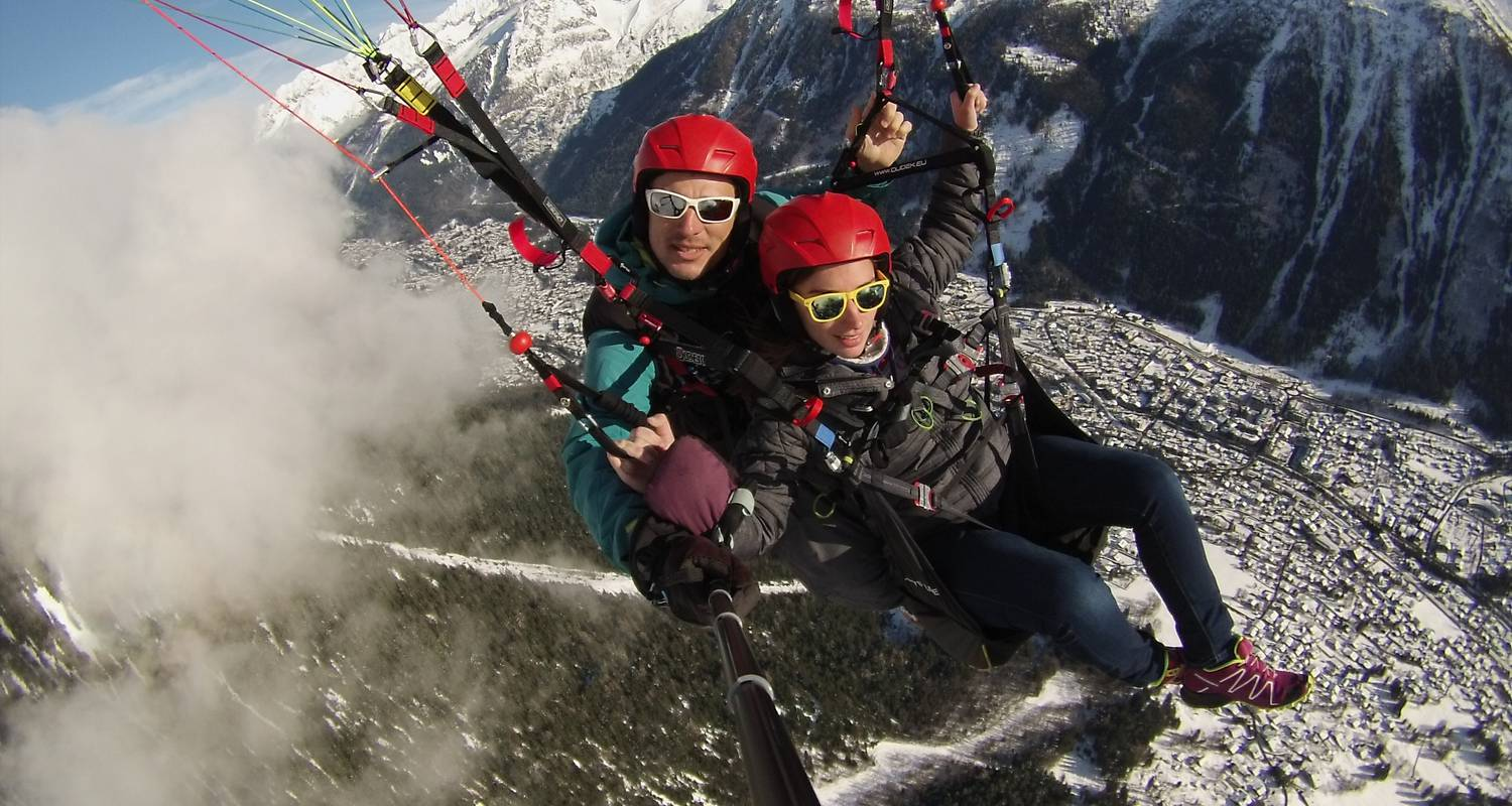 Activity: paragliding  in chamonix-mont-blanc (130099)