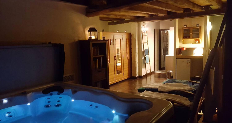 Activity: stage yoga et cours de cuisine de 3 jours et 4 nuits en résidentiel dans 2 gîtes cosy tout confort avec sauna et jacuzzi,dans un petit village. in roussines (130335)