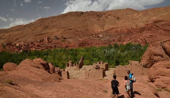 Randonnée dans la vallée du dades depart de chez ali pour decouvrire les sites  et les kasbah .. picture