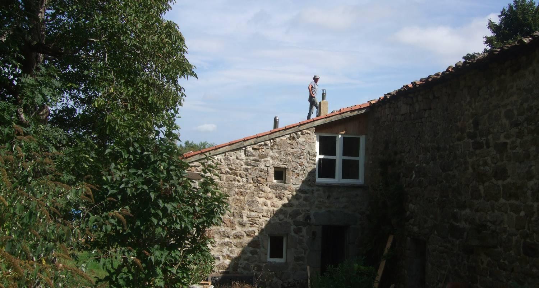 Logement meublé: la petite maison à saint-agrève (130430)