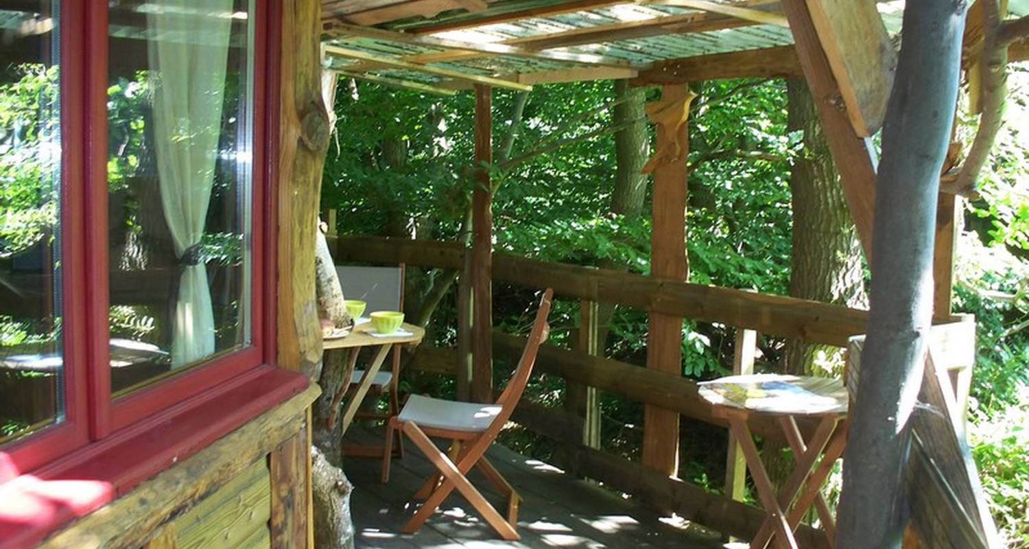 Other kind of rental accommodation: le nid perché in fermanville (130494)