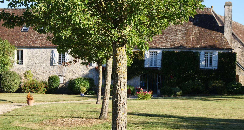"""Bed & breakfast: manoir de la pataudière, suite """"dumont d'urville"""" in villers-canivet (130568)"""
