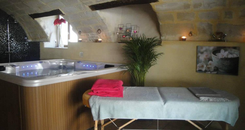 Gîte: bastide de la treille : gîte lavande in montaren-et-saint-médiers (130625)
