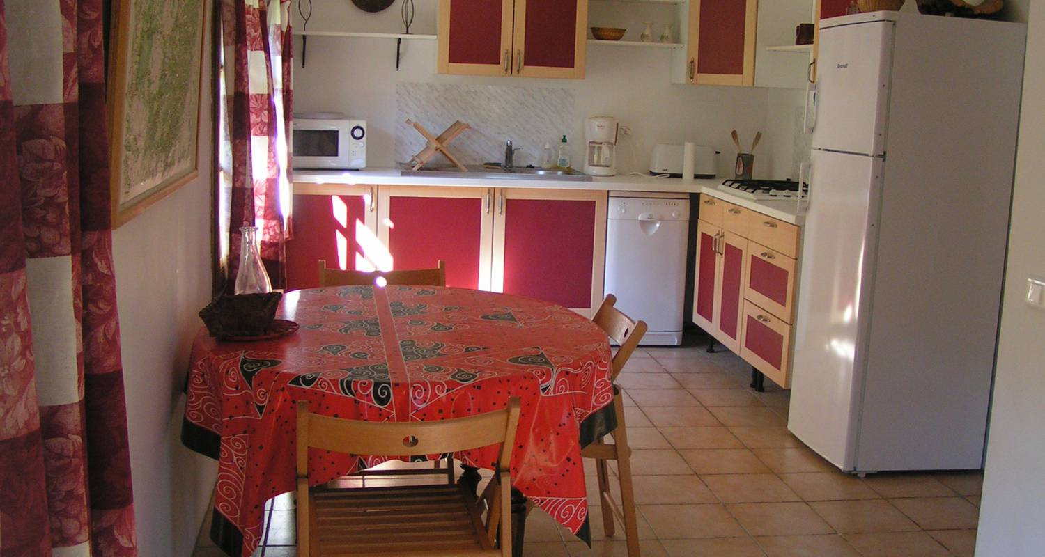 Furnished accommodation: gîtes du cambon - pellegrine in saint-andré-de-valborgne (130643)
