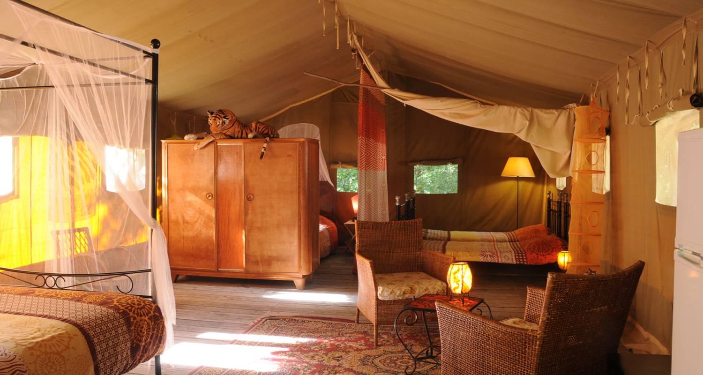 Location, bungalow, mobil-home: tente safari en pleine nature à le poët-célard (130668)