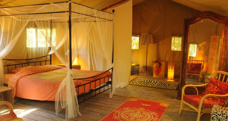 Location, bungalow, mobil-home: tente safari en pleine nature à le poët-célard (130667)