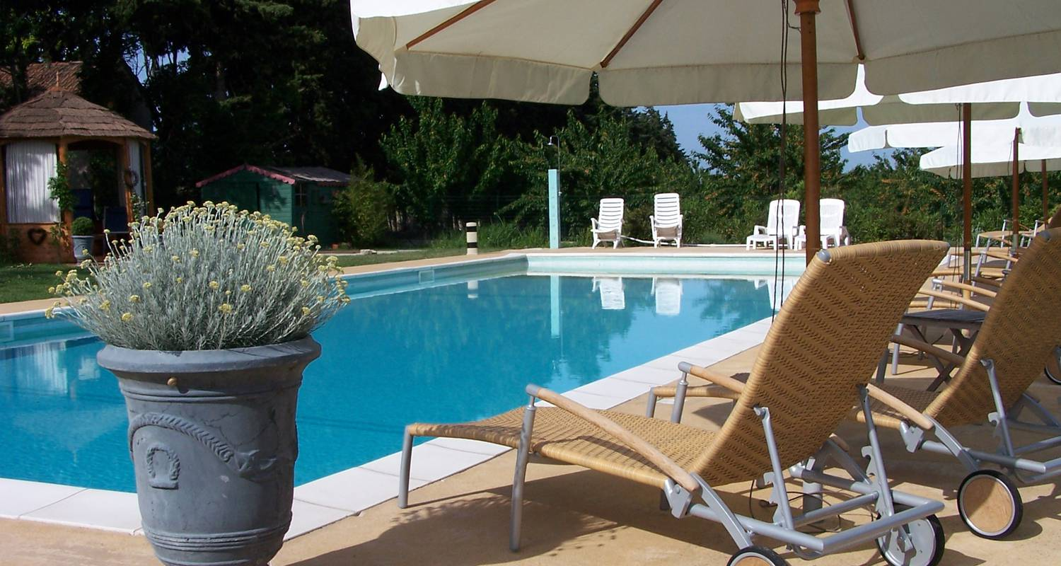Bed & breakfast: la capucine - chambres & table d'hôtes in lagnes (131239)
