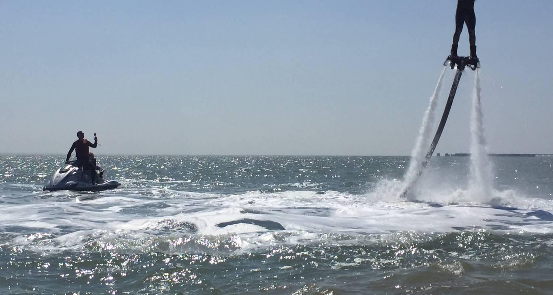 Activité: jet fly évasion      jetski/flyboard/hoverboard/bouée tractée à soulac-sur-mer (131328)