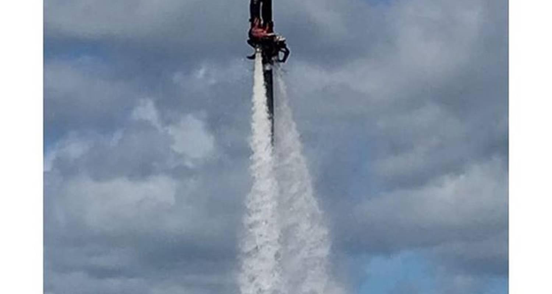 Activité: jet fly évasion      jetski/flyboard/hoverboard/bouée tractée à soulac-sur-mer (131332)