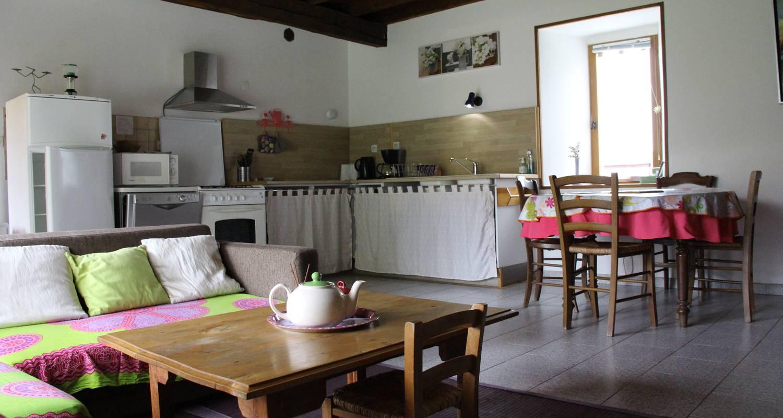 Logement meublé: gîtes de pleine nature (2 et 5pers) et atelier de méditation. à lies (133340)