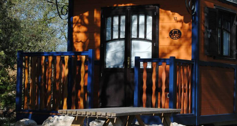 Gîte: roulottes et cabanes de saint cerice et spa  in vogüé (131978)