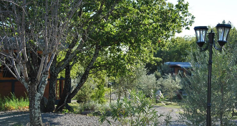 Gîte: roulottes et cabanes de saint cerice et spa  in vogüé (131967)